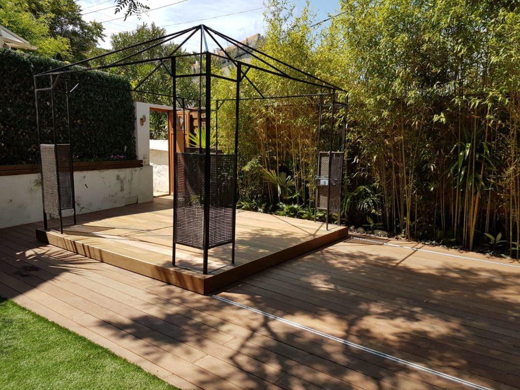Petite piscine bois enterrée avec plancher amovible