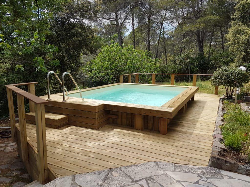 Piscine bois hors-sol et terrasse en pin
